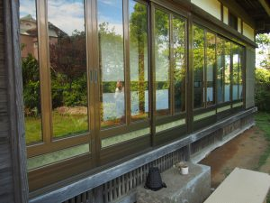 Veranda-like porch
